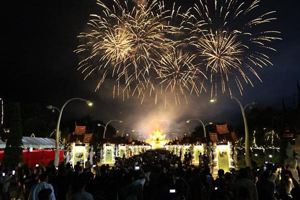 ผ่านมาแล้วงานส่งท้ายปีเก่า ต้อนรับปีใหม่ 2559 เทศกาลชมสวน (Flora Festival 2015)